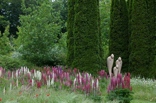 Tous les trois dans les Jardins de Sericourt 2012